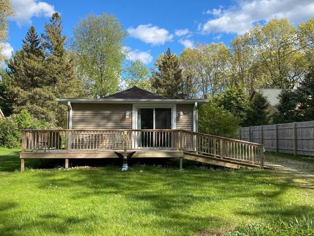 W1253 South Shore Dr, Palmyra, WI 53156 (#1729038) :: RE/MAX Service First