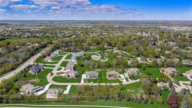 18635 Patti Ln, Brookfield, WI 53045 (#1732344) :: Tom Didier Real Estate Team