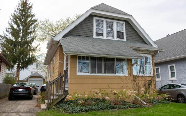 2257 N 70th St 2257A, Wauwatosa, WI 53213 (#1736109) :: RE/MAX Service First