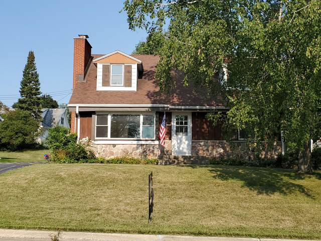4357 S 36th St, Greenfield, WI 53221 (#1752524) :: Tom Didier Real Estate Team