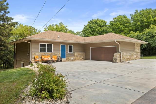 N11W28700 Northview Rd, Delafield, WI 53188 (#1753688) :: RE/MAX Service First
