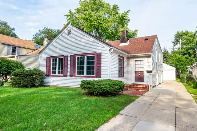 5148 N Lydell Ave, Whitefish Bay, WI 53217 (#1756439) :: Tom Didier Real Estate Team