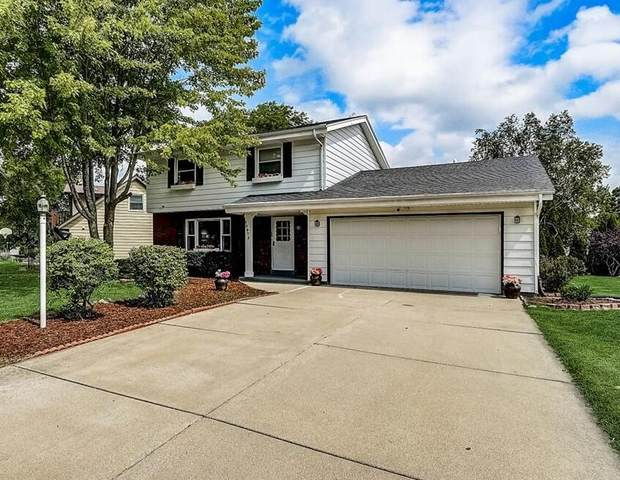 13975 W Crawford Dr, New Berlin, WI 53151 (#1759914) :: Re/Max Leading Edge, The Fabiano Group