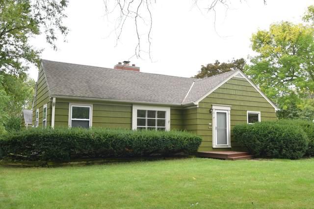 8339 N Lake Dr, Fox Point, WI 53217 (#1762063) :: Tom Didier Real Estate Team