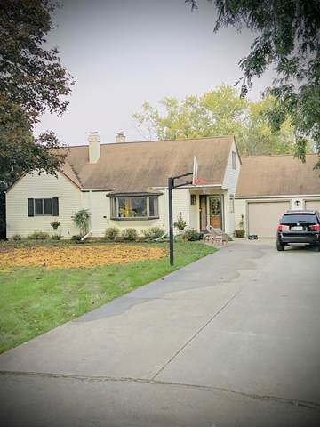 4270 N 135th St, Brookfield, WI 53005 (#1763485) :: EXIT Realty XL
