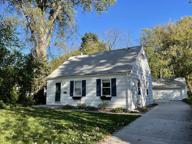 5754 N Sievers Pl, Glendale, WI 53209 (#1767840) :: RE/MAX Service First