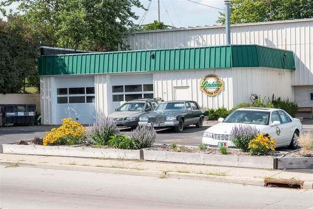 702 W Grand Ave, Port Washington, WI 53074 (#1768467) :: Tom Didier Real Estate Team
