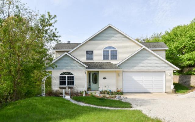 W1026 Ski Hill Dr, Spring Prairie, WI 53105 (#1571653) :: Vesta Real Estate Advisors LLC