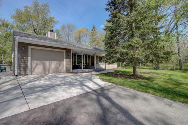 10437 N O'connell Ln, Mequon, WI 53097 (#1581749) :: Vesta Real Estate Advisors LLC