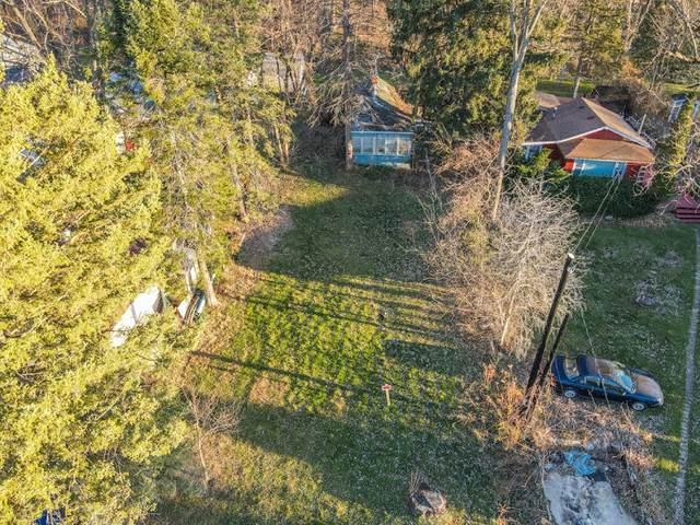 3024 Richmond Park Dr, Twin Lakes, WI 53181 (#1628222) :: RE/MAX Service First
