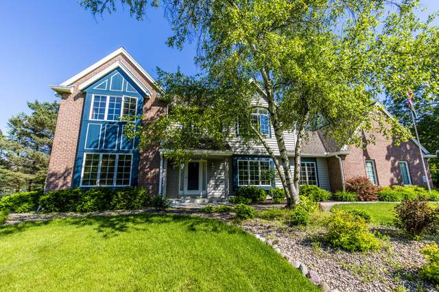 N17W30195 Crooked Creek Rd, Delafield, WI 53072 (#1684611) :: RE/MAX Service First Service First Pros