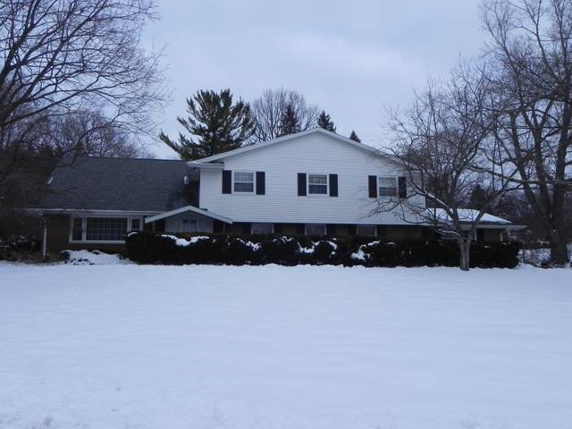 8230 Fairmont Ln, Greendale, WI 53129 (#1713329) :: RE/MAX Service First