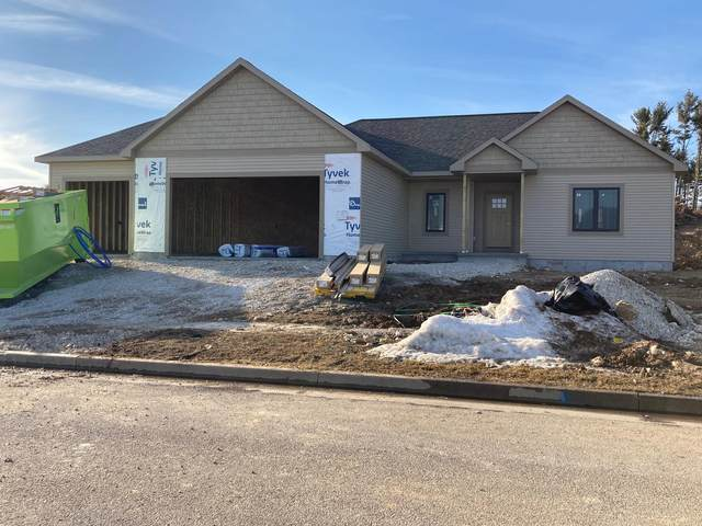 715 Evergreen Dr, Brownsville, WI 53006 (#1725351) :: Tom Didier Real Estate Team