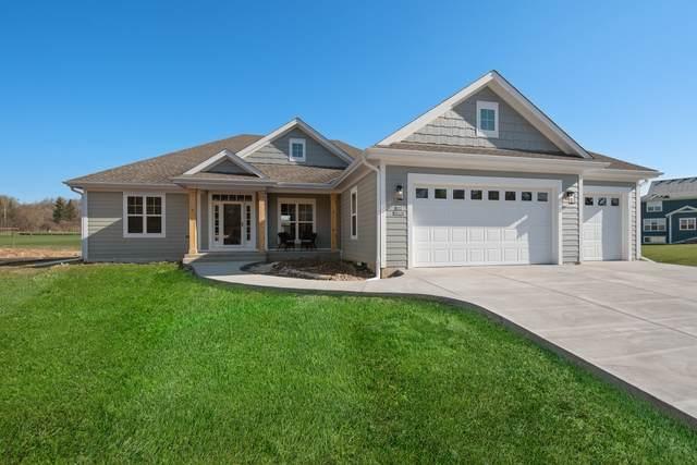 N37W8110 Prairie View Ct, Cedarburg, WI 53012 (#1725797) :: Tom Didier Real Estate Team