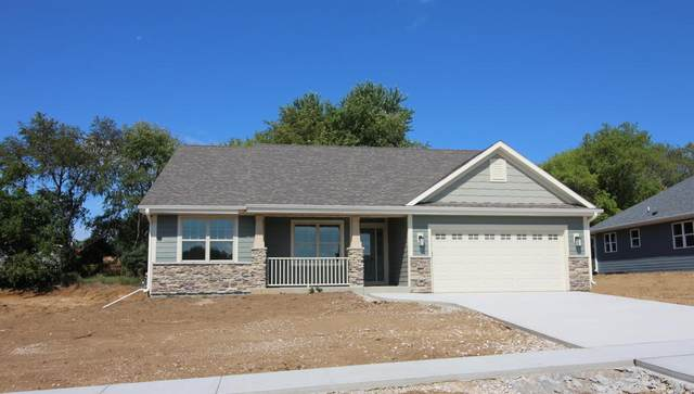 831 Fairway Dr, Twin Lakes, WI 53181 (#1734346) :: EXIT Realty XL