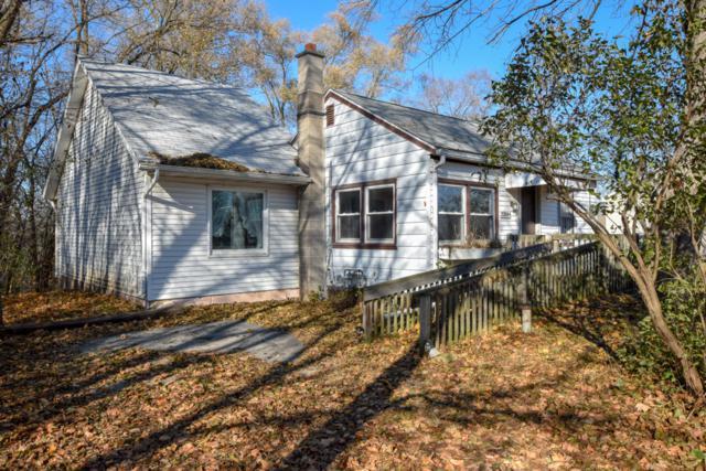 32844 Bayview Dr, Burlington, WI 53105 (#1591602) :: Tom Didier Real Estate Team