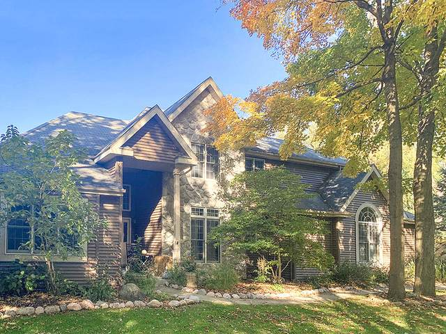 1120 S Lake Shore Dr #34, Lake Geneva, WI 53147 (#1725619) :: RE/MAX Service First