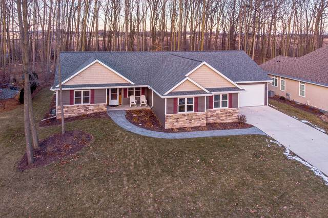 498 Oriole Ln, Howards Grove, WI 53083 (#1672654) :: RE/MAX Service First Service First Pros