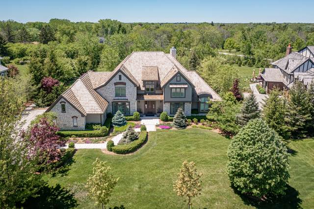 11675 N Canterbury Dr, Mequon, WI 53092 (#1743404) :: Tom Didier Real Estate Team