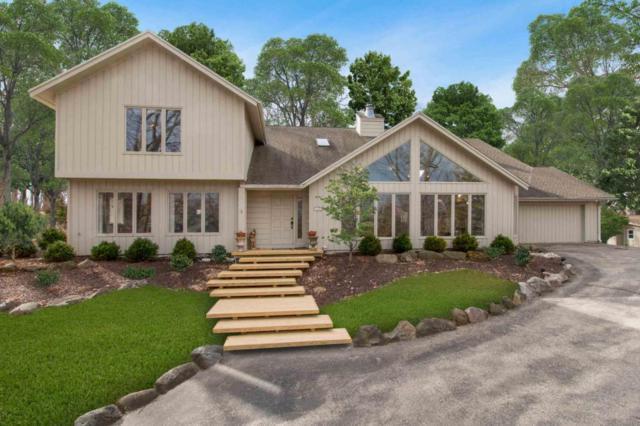 415 Deerpath West, Fontana, WI 53125 (#1568595) :: Tom Didier Real Estate Team