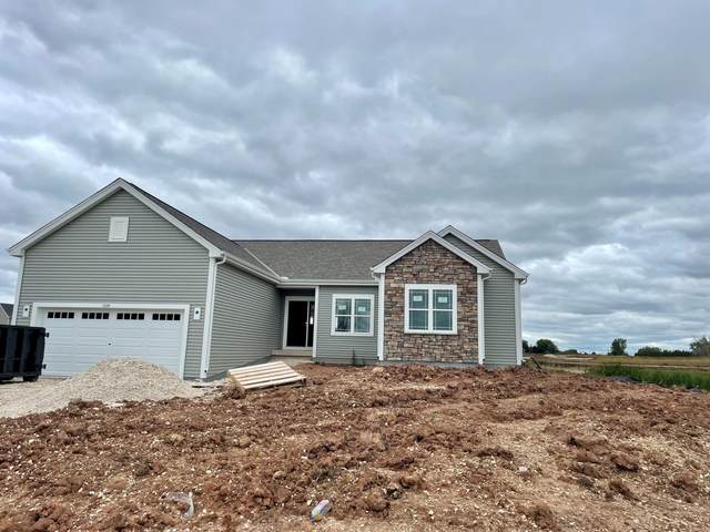 2268 River Bend Rd, Grafton, WI 53024 (#1749893) :: EXIT Realty XL