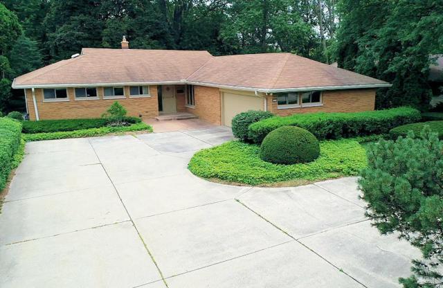 7324 N Crossway Rd, Fox Point, WI 53217 (#1594337) :: Tom Didier Real Estate Team