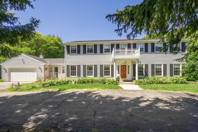 9401 N Broadmoor Rd, Bayside, WI 53217 (#1594717) :: Tom Didier Real Estate Team