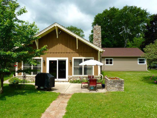 668 S Main St, Saukville, WI 53080 (#1535856) :: Tom Didier Real Estate Team
