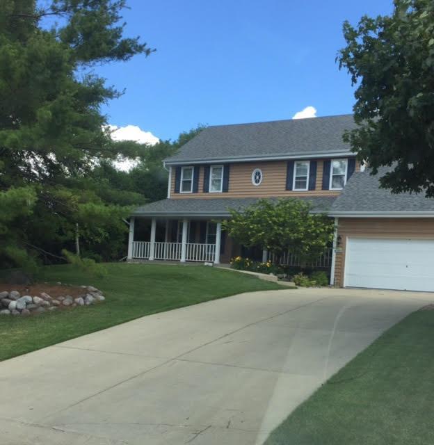 N101W15010 Raintree Dr, Germantown, WI 53022 (#1541357) :: Vesta Real Estate Advisors LLC