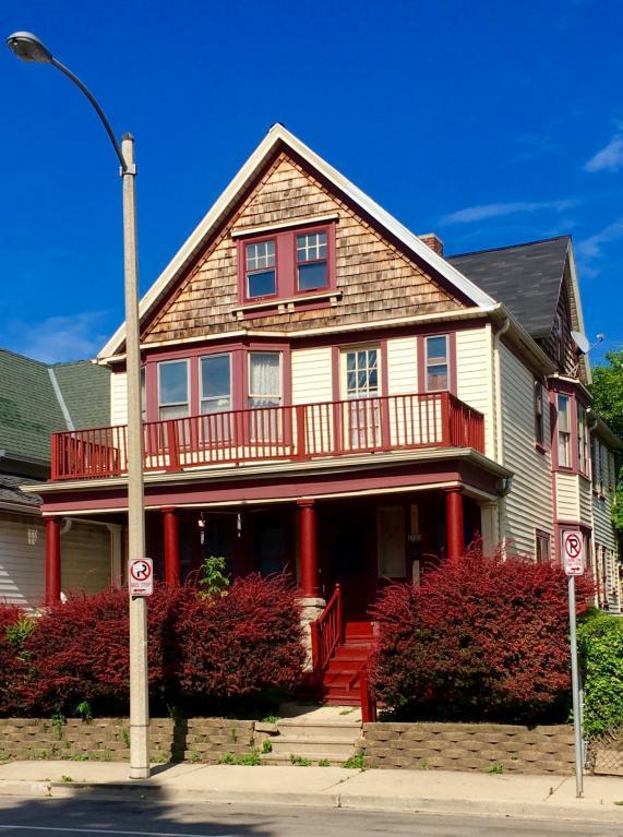 2366-2368 N Holton, Milwaukee, WI 53212 (#1541869) :: Vesta Real Estate Advisors LLC