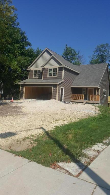 1030 W Grand Ave, Port Washington, WI 53074 (#1545284) :: Tom Didier Real Estate Team
