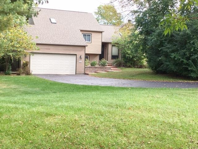 W291N4546 Tolbert Ln, Delafield, WI 53029 (#1551583) :: Vesta Real Estate Advisors LLC