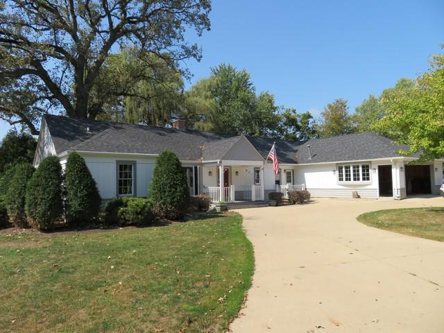 821 S 6th St, Silver Lake, WI 53170 (#1551839) :: Vesta Real Estate Advisors LLC