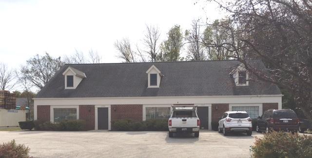 1325 W Towne Square Rd, Mequon, WI 53092 (#1553121) :: Vesta Real Estate Advisors LLC
