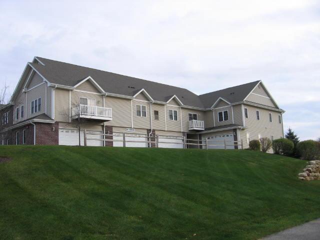 327 E Clay St #30, Whitewater, WI 53190 (#1555161) :: Vesta Real Estate Advisors LLC