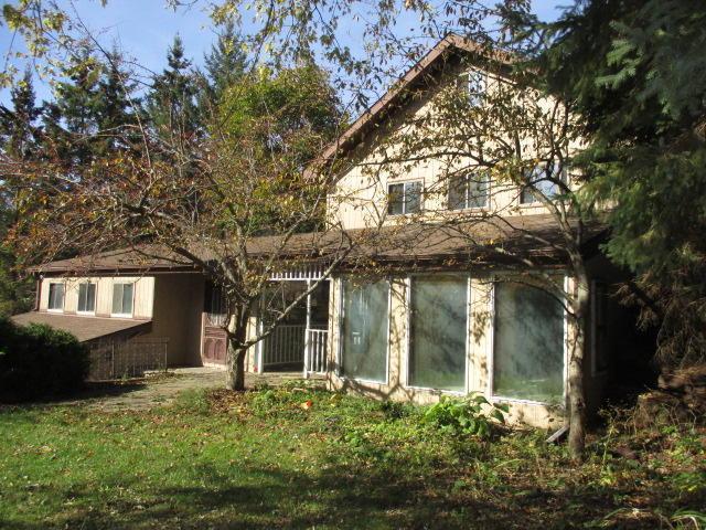 33900 Crestview Dr, Burlington, WI 53105 (#1555951) :: Tom Didier Real Estate Team