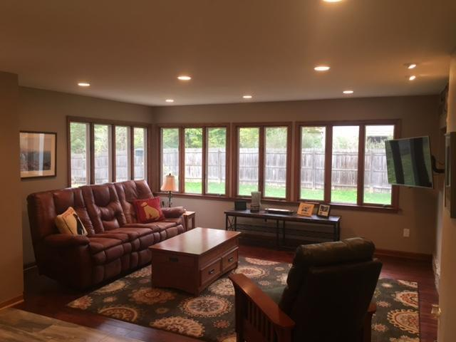 700 E Daisy Ln, Fox Point, WI 53217 (#1556283) :: Vesta Real Estate Advisors LLC