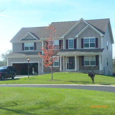 W175N9947 Wendy Ln, Germantown, WI 53022 (#1556554) :: Vesta Real Estate Advisors LLC