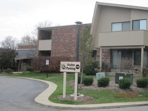 425 W Willow Ct #230, Fox Point, WI 53217 (#1558917) :: Vesta Real Estate Advisors LLC
