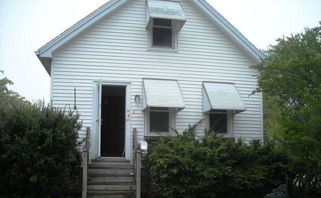 5517 N Bethmaur Ln, Glendale, WI 53209 (#1586596) :: Vesta Real Estate Advisors LLC