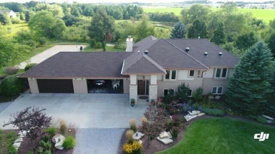 1061 W Woodview Dr, Grafton, WI 53024 (#1593459) :: Tom Didier Real Estate Team