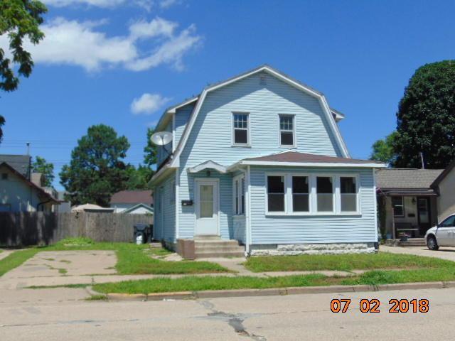 511 Jackson St, La Crosse, WI 54601 (#1594782) :: Tom Didier Real Estate Team
