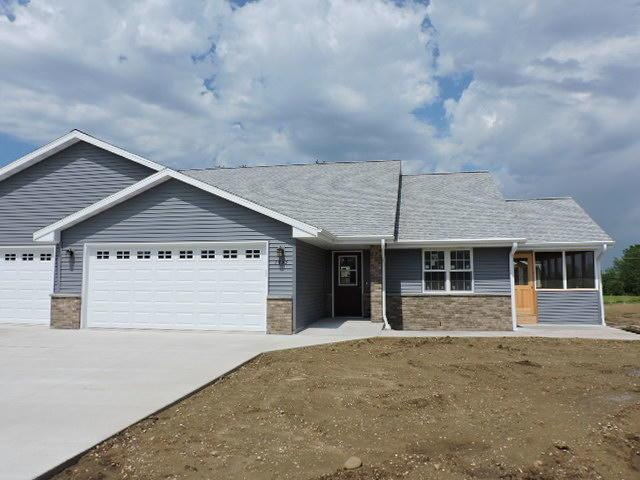 306 E Highland Ave, Fort Atkinson, WI 53538 (#1597157) :: Tom Didier Real Estate Team