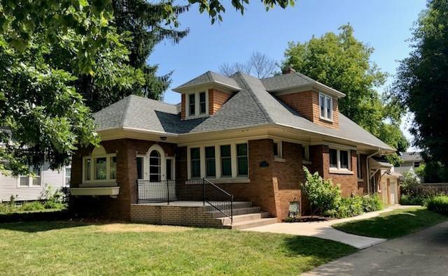 7350 N Port Washington Rd, Fox Point, WI 53217 (#1597838) :: Vesta Real Estate Advisors LLC