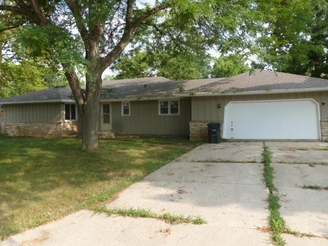 5160 N Detrie Ct, Butler, WI 53007 (#1601120) :: RE/MAX Service First