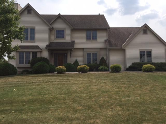 N61W12753 River Heights Dr, Menomonee Falls, WI 53051 (#1601393) :: Vesta Real Estate Advisors LLC