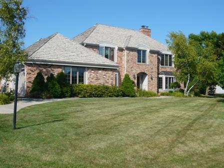130 E Trillium Rd, Mequon, WI 53092 (#1601721) :: Tom Didier Real Estate Team