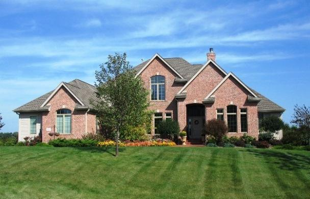 13750 N Legacy Hills Dr, Mequon, WI 53097 (#1606314) :: Tom Didier Real Estate Team