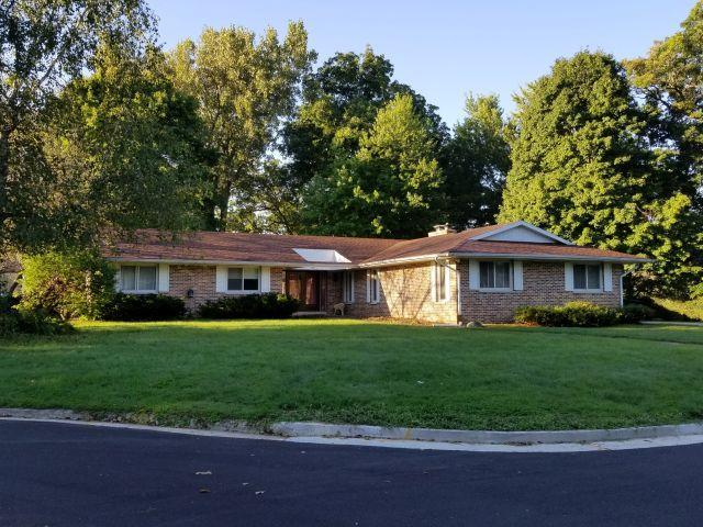 726 Oakwood Ct, Jefferson, WI 53549 (#1606332) :: Tom Didier Real Estate Team