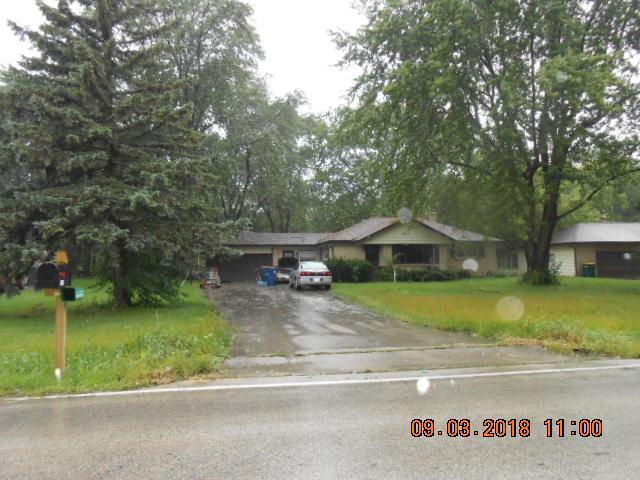10161 S Nicholson Rd, Oak Creek, WI 53154 (#1610225) :: Vesta Real Estate Advisors LLC